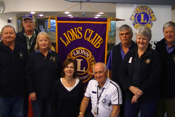 Screening Nurse Helen Pittendreigh & Kingston SA Lions Club Members